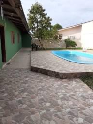 Alugo por dia casa grande com piscina na praia Guaratuba