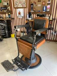 Vendo cadeira barbeiro ferrante retro!