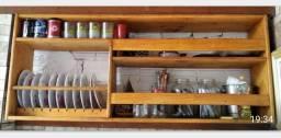 Armário porta-pratos