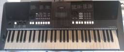 Vendo teclado Yamaha psr é 423