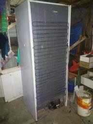 Geladeira duplex frost free com detalhes