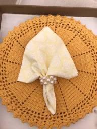 Kit souplast 6 lugares + guardanapos de tecido + anéis em pérola + caixa de mdf forrada
