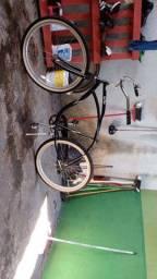 Bicicleta lá bici bem conservada retrô e registrada