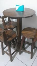 Mesa bistrô com 4 cadeiras