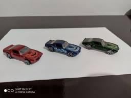 Vendo miniaturas Hot Wheels(ler o anúncio)