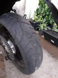 Vendo ou troco pneu maxxis medida 190/50 r17 por pneu 160/60 r17
