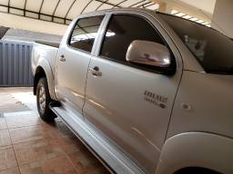 Toyota Hilux 3.0 4x4 SRV Manual