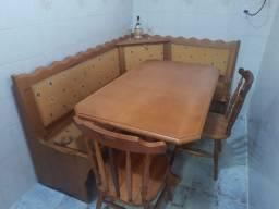Mesa colonial, estilo alemã