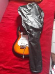 Vendo guitarra semi nova!
