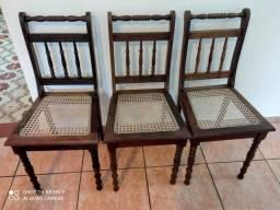 3 cadeiras madeira maciça