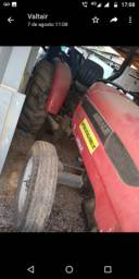 Trator Agrale 4200 como está na foto - necessita de conserto