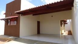 2/4 c suíte Arejada e charmosa Casa Cajupiranga. Ótima localização. Rua calçada