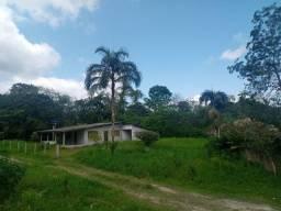 V1228 Chácara com área perfazendo 4.350.62m² no Barigui