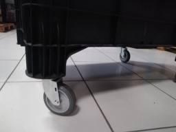 Carrinho com rodas