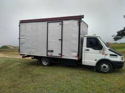 Caminhão  Iveco Daily  4912 2001.