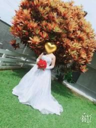 Vestido de noivas e daminhas