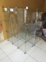 Dois balcões para loja de vidro