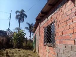Vende-se terreno com casa de 65 mts²