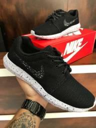 Tênis Nike Roshe One - $150,00