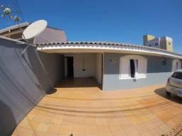 Terreno de 480m² com Dois Imóveis de alvenaria, no Trevo do Atuba