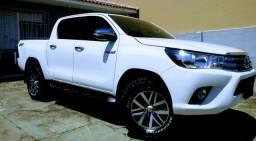 Toyota Hilux SRV 2017 4x4 2.7 Aut apenas 53mil km