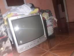 Vendo TV, e um ar condicionado