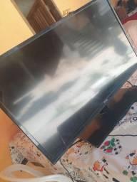 TV para consertar, ou retirar peças!