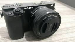 Sony Alpha A6000 c/ lente do Kit - Tenho outras lentes também!