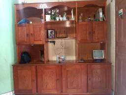 Vende-se uma cômoda de madeira