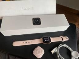 Apple Watch Series 5 Gps, 40 mm - Novíssimo - com nota fiscal - garantia até Março 2021