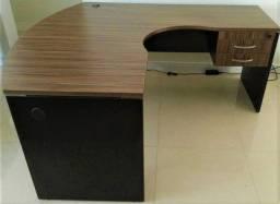 Vendo 2 escrivaninhas, já desmontadas, prontas para levar