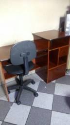 Mesa computador+cadeira com rodinhas.FAÇO ENTREGA COBRO FRETE