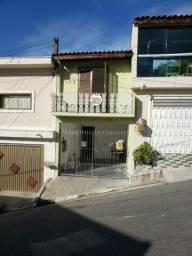 Aluga-se casa centro Carapicuiba SP, próximo a estação, calçadão, bem localizada