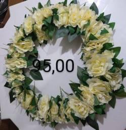 Coroas de flores para túmulo