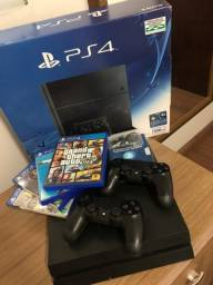 PS4 Fat - 500gb + 2 controles + 4 jogos