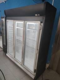 Expositor refrigerador para frios iorgute e bebidas 3 portas