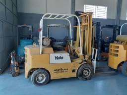 Empilhadeira Yale G83P 2500 kg