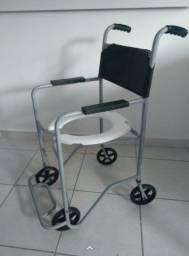 Cadeira de rodas higiênica