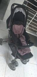 Carrinho de bebê pouco usado