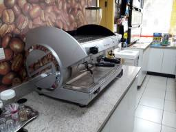 Manutenção em máquinas de café espresso profissionais
