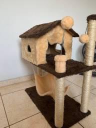 Casa e Arranhador para Gatos