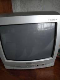 TV, antiga sem funcionar