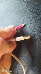 Vendo dois cabos de iPhone um original e outro nao original