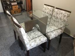 Mesa muito nova