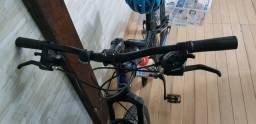 Vendo bike semi nova aro 19