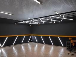Estrutura de iluminação mais equipamentos