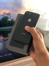 iPhone 8 64GB Preto - Saúde da bateria 100%. Até 12x no cartão! 64 GB