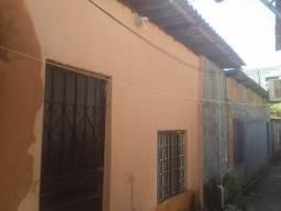 Vendo ou troco casa no Santo Agostinho valor 30 mil