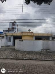 Casa nos bancários, 04 quartos, R$: 1.600,00