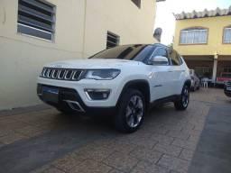 Jeep compass limited 4x4 diesel com teto solar. Financio